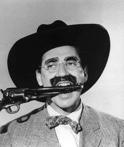 Marx Brothers (Go West)_02-781336